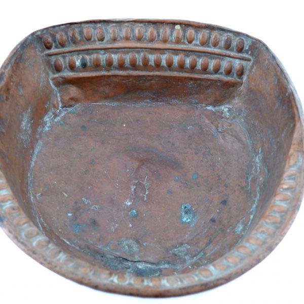 bassine en cuivre pour la toilette quotidienne ou les ablutions probablement florence italie
